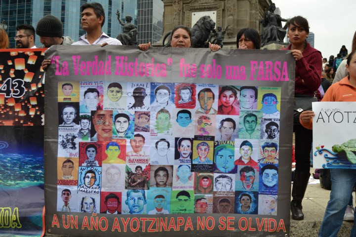 ayotzinapa-25-s-2015-mexico-city-34-small-2