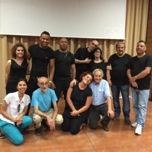 reggio-emilia-progetto-gerusalemme-liberata-detenuti-e-volontari-a-fine-spettacolo-maggio-2015