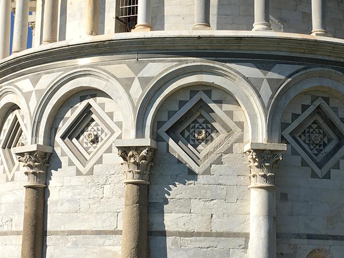 10_IMG_1279_torre di pisa geometria decorazioni