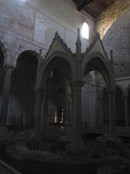 6_san pietro in grado pisa ciborio san pietro apostolo interno